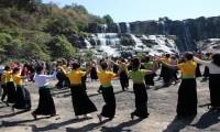 Lễ hội Xên Mường rộn ràng ở thác Pongour